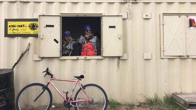 محاكاة قرية في التمارين العسكريّة البرتا/Radio-Canada/Marie-Pier Mercier
