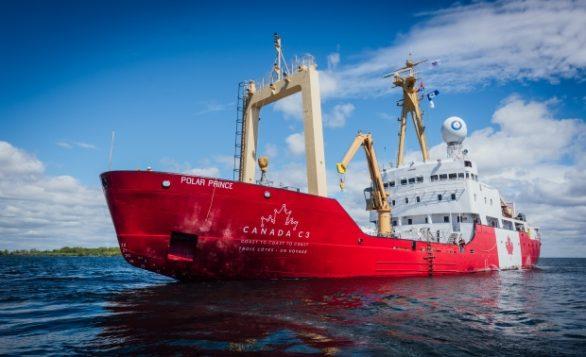 كاسحة الجليد التي تقوم بالرحلة الاستكشافيّة كندا سي 3 عبر السواحل الكنديّة/Canada C3 Program
