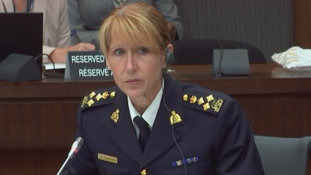 المفوّضة في الشرطة الفدراليّة جوان كرامبتون تتحدّث أمام اللجنة البرلمانيّة حول تشريع الماريجوانا/(CBC/ هيئة الاذاعة الكنديّة