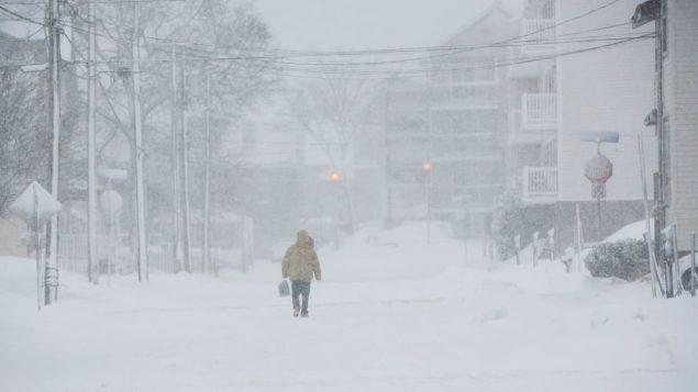 الثلوج تغطي الطرقات/راديو كندا
