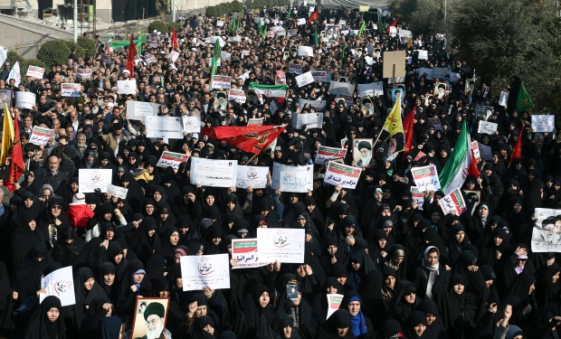 مظاهرات في طهران في 30-12-2017/Ebrahim Noroozi/Associated Press)