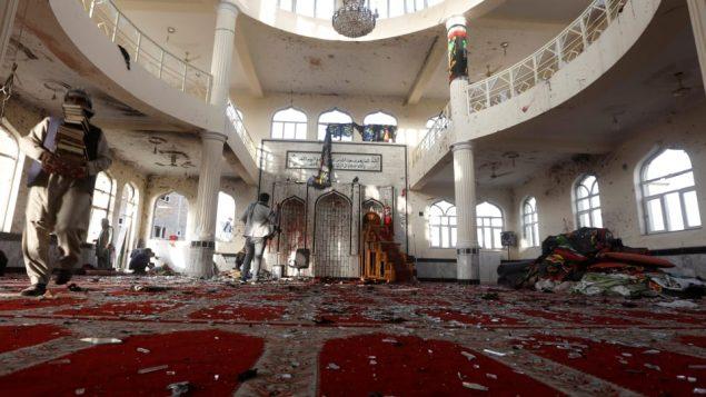 الاعتداء على مسجد شيعي في تشرين أول الماضي/رويترز