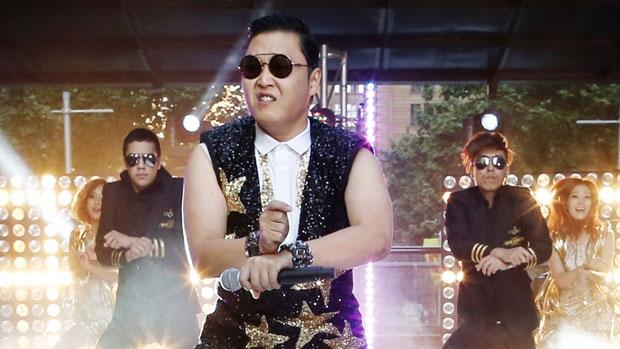 مغنّي الراب الكوري الجنوبي ساي يؤدّي أغنية غانغنام ستايل/im Wimborne/Reuters)