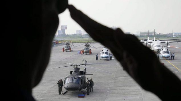 مروحيّات كنديّة الصنع تسلّمها الجيش الفلبيني عام 2015/The Associated Press/Bullit Marquez