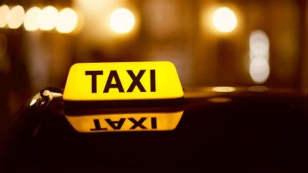 سيارات تاكسي في مونتريال / CBC/هيئة الإذاعة الكندية