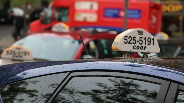 سيارات تاكسي في مونتريال /Radio-Canada/Jean-Simon Fabien
