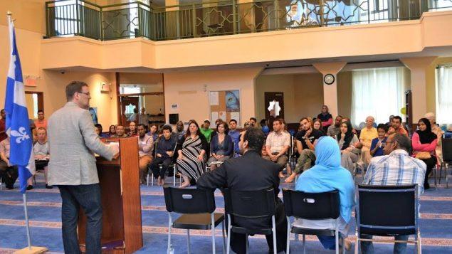 المركز الاسلامي في اوتاوي يحتفل بعيد كيبيك الوطني بمشاركة عمدة غاتينو/تقديم المركز الاسلامي في اوتاوي