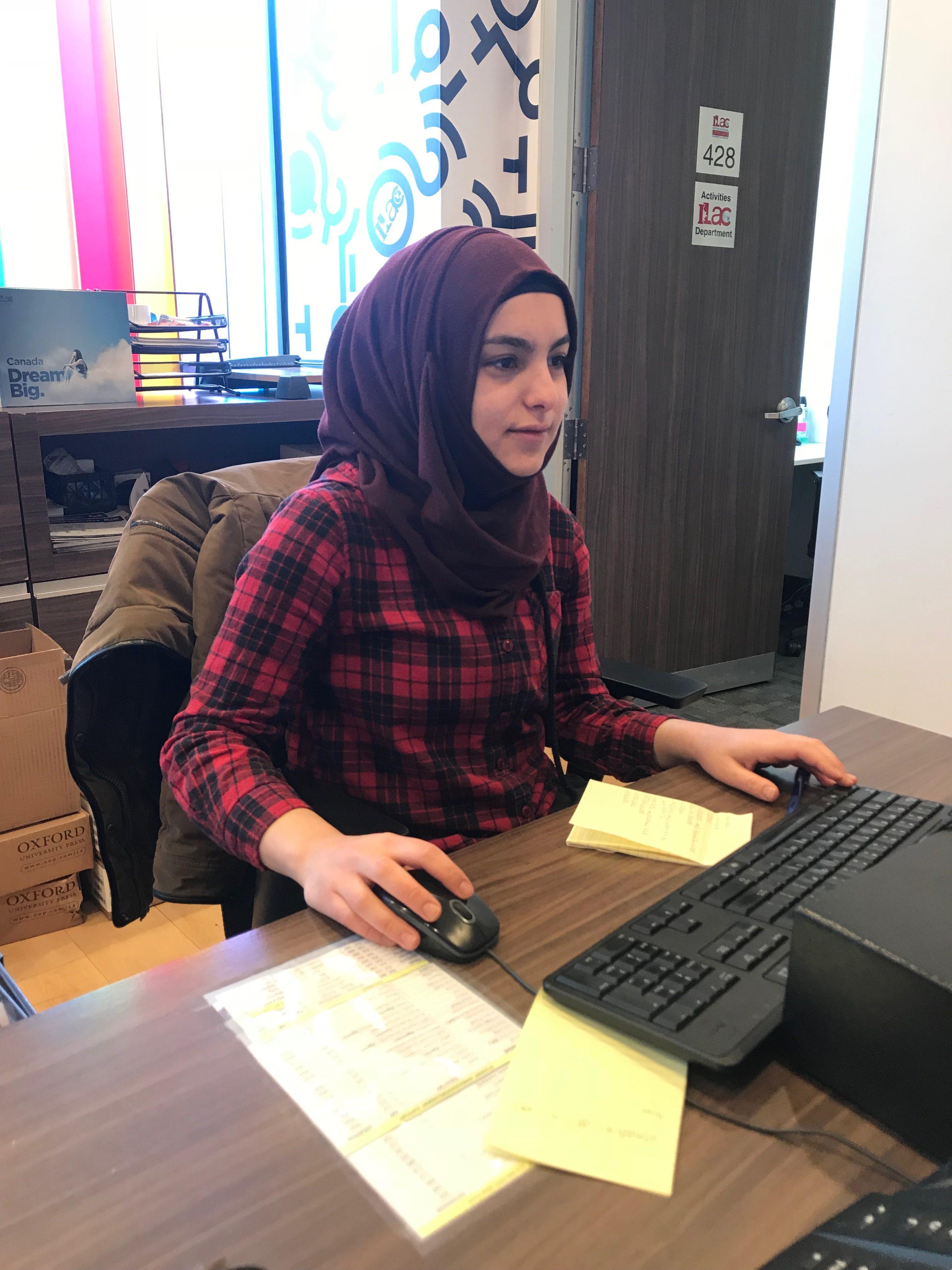 الطالبة السوريّة آلاء العكل/آلاء العكل