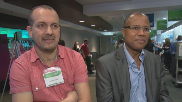 الكاتب لوناس حساني الى اليسار والكاتب غي بيليزير حقوق الصورة/هيئة الإذاعة الكندية