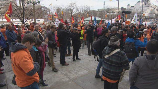 مظاهرة احتجاج على نظام الدفع الالكتروني فينيكس في اوتاوا/Radio-Canada/Jonathan Dupaul