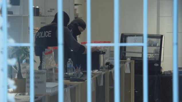 شرطة أوتاوا تداهم محلا لبيع الماريجوانا غير مرخص/راديو كندا