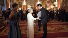 الملكة اليزابيث الثانية ترحّب برئيس الحكومة الكنديّة جوستان ترودو في قصر باكينغهام في 19-04-2018/Victoria Jones/Pool Photo via AP)
