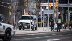 الشاحنة البيضاء التي دهست مدنيين أبرياء على شارع يونغ شمال مدينة تورنتو/ CBC