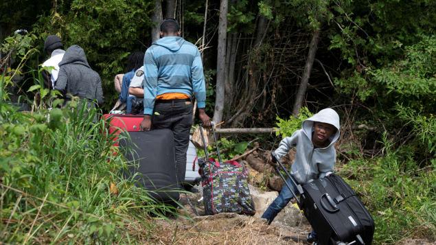 تدفق طالبي اللجوء غير الشرعيين إلى الحدود الكندية/راديو طندا
