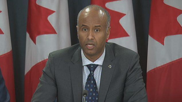وزير الهجرة الفدرالي أحمد حسين يرد على طلب حكومة كيبك/راديو كندا