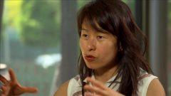 الكاتبة الشهيرة والروائية من أصول فيتنامية كيم ثوي التي اندمجت بالمجتمع الكيبكي ونشرت العديد من الكتب بالفرنسية وحازت على جوائز عدة دولية/راديو كندا