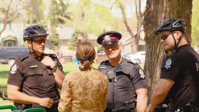 الشرطة في إدمنتون تدعو لتنمية الحس الاحتماعي للوقاية من الجريمة/راديو كندا