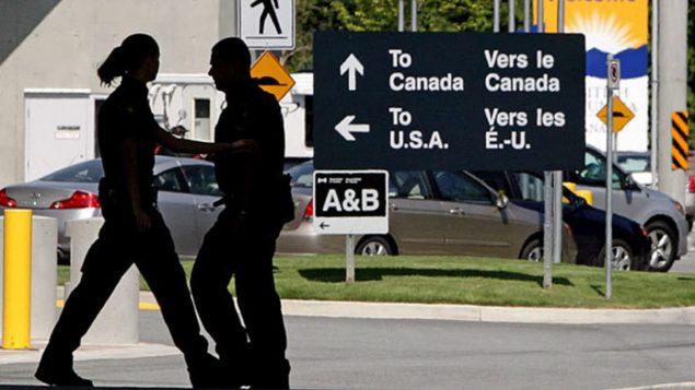 مركز حدودي بين الولايات المتحدة وكندا/راديو كندا