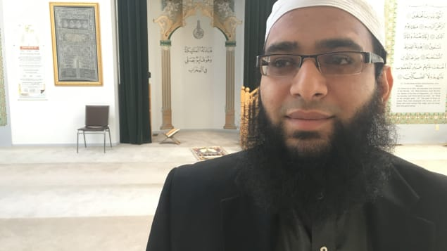 الإمام مزهر حمود يقيم أنشطة تضم مختلف المعتقدات والسكان الأصليين/راديو كندا