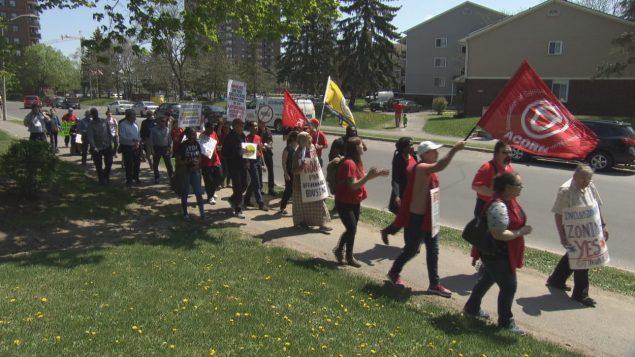 متظاهرون مطرودون من منازلهم في العاصمة أوتاوا لبناء نساكن فاخرة محلها يتظاهرون/راديو كندا