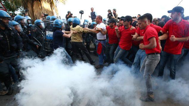 مواجهات مع الشرطة خلال القمة السابقة التي عقدت في إيطاليا لمجموعة الدول السبع/رويترز