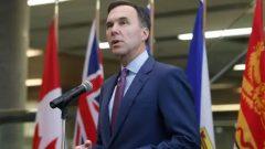 وزير المال الكندي بيل مورنو/Patrick Doyle/CP