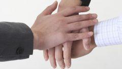محكمة كندية تعترف بإبوة شرعية لطفل من علاقة حب بين ثلاثة أشخاص /أيستوك
