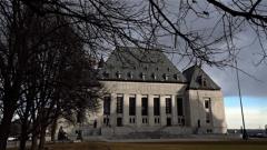 مقر المحكمة الكندية العليا في العاصمة أوتاوا وهي أعلى سلطة قضائية في كندا وهي التي تتمسك بالقرار جوردان حول المهل القانونية/الصحافة الكندية