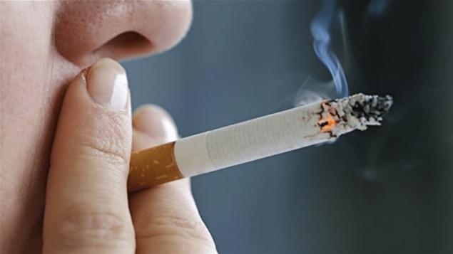 حظر التدخين في الحدائق والأماكن العامة في إدمنتون للسجائر والماريجوانا/راديو كندا