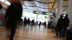 عائلة من طالبي اللجوء وصلت عن طريق الجو في حين غالبية من طالبي اللجوء يأتون برا/راديو كندا