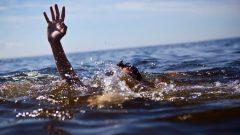 صغار المهاجرين الجدد إلى كندا بين سن الحادية عشرة والرابعة عشرة لايعرفون السباحة مقارنة بالمولودين في كندا/أيستوك
