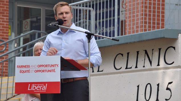 برايان غالانت زعيم الحزب الليبرالي رئيس حكومة نيوبرنسويك الخارج يتعهد بإنشاء مراكز علاج لغير حالات الطوارىء/راديو كندا
