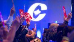 """برّر أعضاء الحزب المحافظ الكندي رفضهم لحق الجنسية بالولادة بتفاحل ظاهرة ما يُسمّى """"أطفال جوازات السفر"""" أو سياحة الولادة - Andrew Vaughan/CP"""