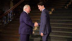 رئيس الحكومة الكنديّة جوستان ترودو (إلى اليمين) ورئيس حكومة اونتاريو دوغ فورد/Radio-Canada