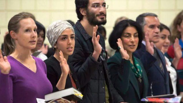 مراسم الحصول على الجنسيّة الكنديّة/Andrew Vaughan/CP