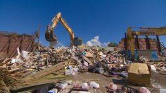 ينصّ الإعلان المشترك على تخفيض حجم النفايات المدفونة أو المحروقة بنسبة 50٪ بحلول عام 2030 – Jared Thomas/CBC