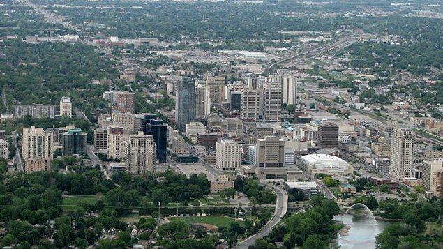 بيتي في كندا - الحلقة رقم 3: أسعار الفائدة في مستوياتها الدنيا تحفّز على الشراء
