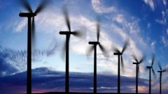 """يقول شون-باتريك ستينسيل، محلل في مجال الطاقة لدى غرينبيس كندا، إن هذا """"دليل آخر على أن حكومة فورد تعتزم إعادتنا إلى التسعينيات في السياسة البيئية"""" - CBC"""