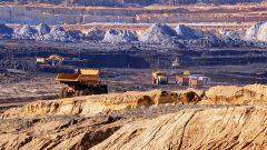 يقول سيلفان لوهو مدير شركة استغلال المناجم Eldorado Gold Lamaque إنّ شركته وظفت العام الماضي قرابة 200 عامل من بينهم مهاجرين متواجدين بالمنطقة وتنوي توظيف المزيد ولكنّه يعلم أن اليد العاملة ليست متوفّرة بسهولة في المنطقة - iStock
