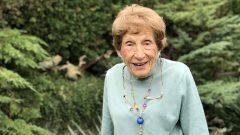 بطلة الكورلينغ الكنديّة لولا هولمز عمرها مئة سنة/Maryse Zeidler/CBC/هيئة الإذاعة الكنديّة