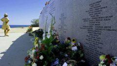 أسماء ضحايا الرّحلة 111 لسويس اير منقوشة على نصب تذكاري من الغرانيت في في بايزووتر في مقاطعة نوفا سكوشا - Steven Senne / AP