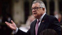 وزير الأمن العام الكندي رالف غوديل قال إنّ كندا ستزيد وتيرة ترحيل اللاجئين المرفوضة طلباتهم//Sean Kilpatrick/CP