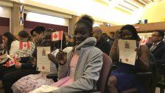 بين تشرين الأول أكتوبر 2017 و تشرين الأول أكتوبر 2018 أصبح 152.000 شخص مواطنا كنديا - Radio Canada