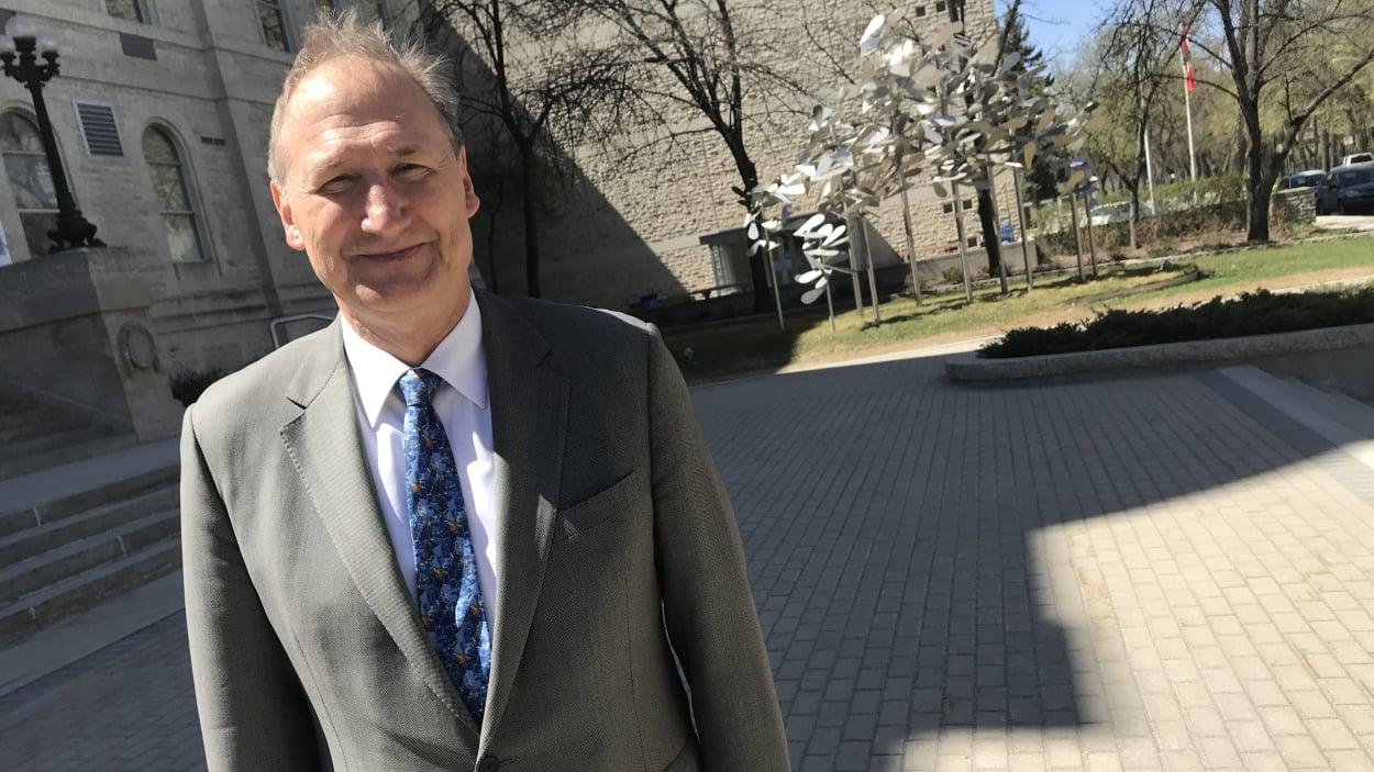 غابور سبريغي عميد جامعة سان بونيفاس الذي ستنتهي مهامه في 30 حزيران يونيو 2019 - Gavin Boutroy/Radio Canada