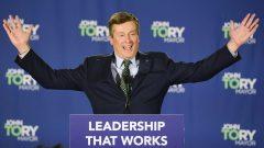 جون توري عمدة تورونتو لولاية ثانية يواجه تحدّي التعامل مع مجلس بلدي أصغر حجما /Frank Gunn/CP