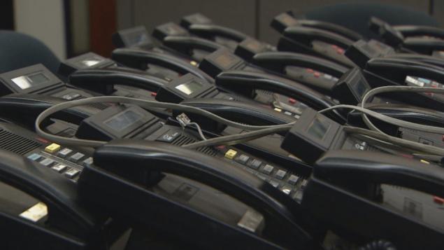 وزارة المال في مقاطعة اونتاريو أعلنت تخلّيها عن الهواتف الثابتة/CBC/هيئة الاذاعة الكنديّة