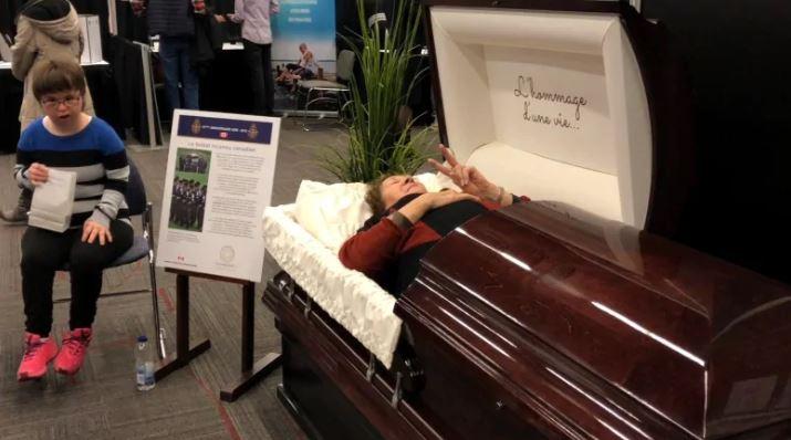 جانب من صالون الموت في مونتريال - Sarah Leavitt/CBC