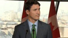 جوستان ترودو رئيس الحكومة الكندي خلال الندوة الصحفية التي عقدها في باريس اليوم الاثنين في مقر السفارة الكندية - CBC