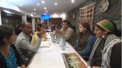 أعضاء من الجالية اليمنية في مونتريال مجتمعون لتحضير عملية جمح التبرعات - Radio Canada