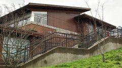 مبنى المدرسة في ضاحية فانكوفر الجنوبية حيث تعرضت فتاة للخطف والاعتداء الجنسي عليها/القسم الإنجليزي في راديو كندا
